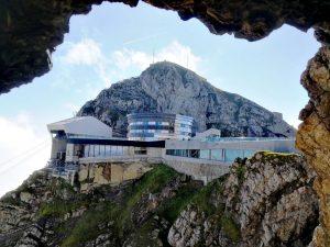 Der Hausberg Pilatus ist 2.230 Meter hoch.